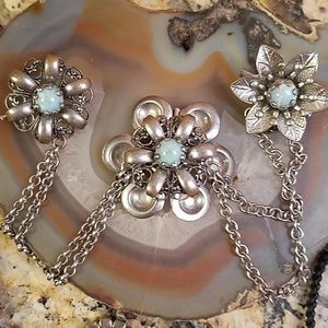 Vintage silver plated Collar clips GUC
